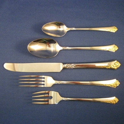 Oneida Golden Damask Rose salad fork